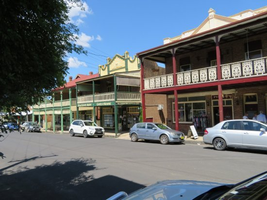 main-street-pym-street